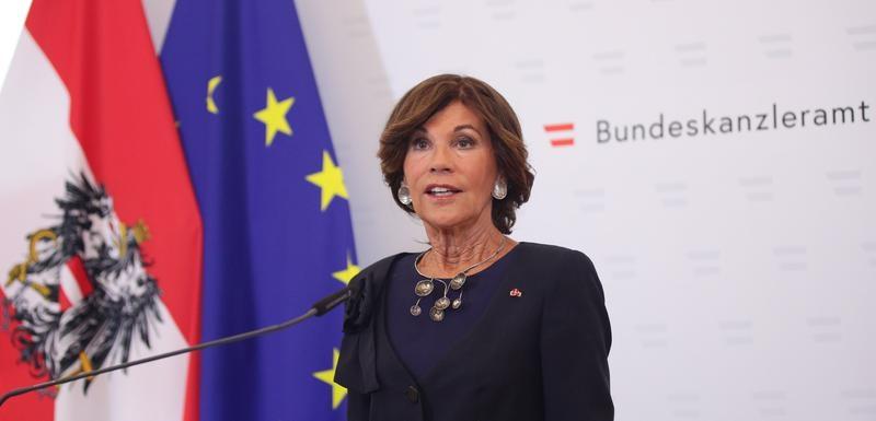 БИРЛАЈН: Разговарав со премиерите на Албанија и на С. Македонија, тие се многу разочарани од ЕУ