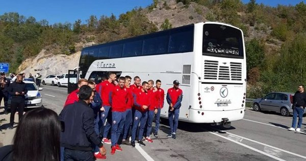 Гранична рампа на Косово: Фудбалерите на Црвена Звезда спречени да одиграат со Трепча