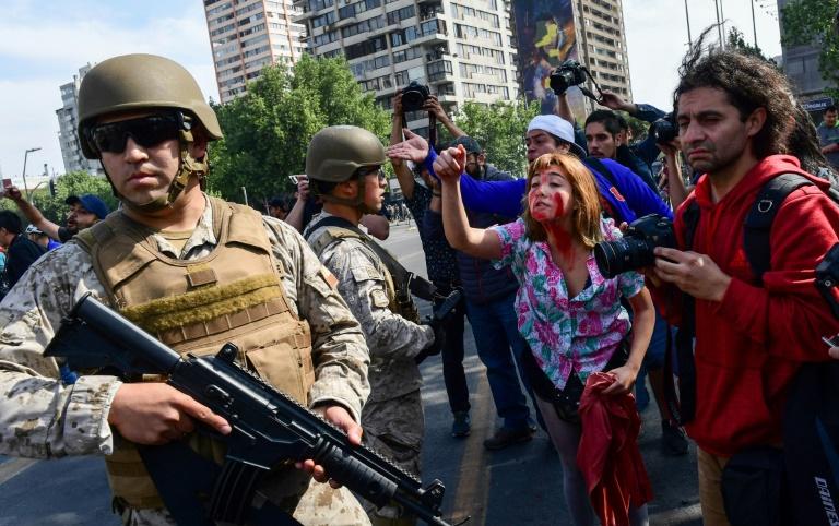 ЧИЛЕ: Ја кренаа цела држава на нозе и ја натераа Владата да се повлече од цената на јавниот превоз