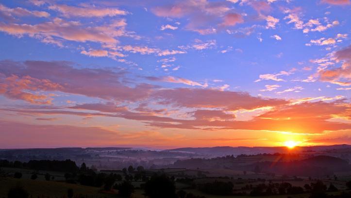 Астрономски календар: Сонцето изгрева во 5:01 часот, а ќе зајде во 20:13