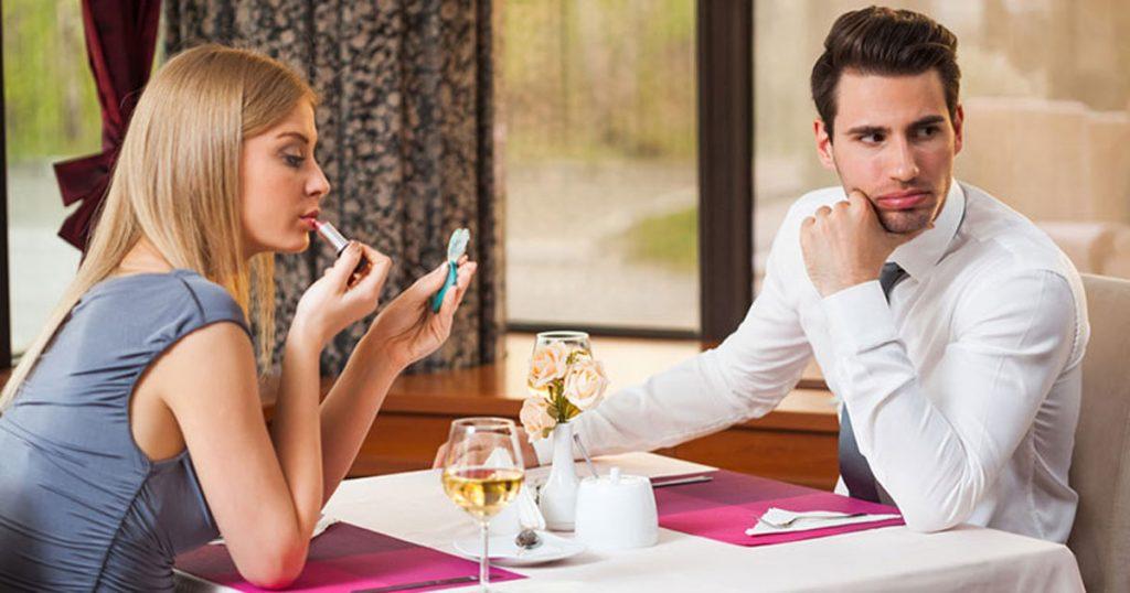 Трите најбитни работи за мажот кај жена: Страст, автентичност и женственост