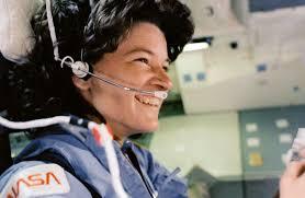 Астронаутки на НАСА излегоа во вселената