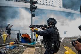 Хонгконг: Уапсени три лица заради тестирање експлозиви