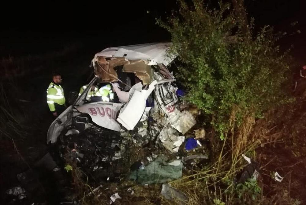 Романија: Во судир на камион и минибус загинаа 10 лица, а 7 се повредени