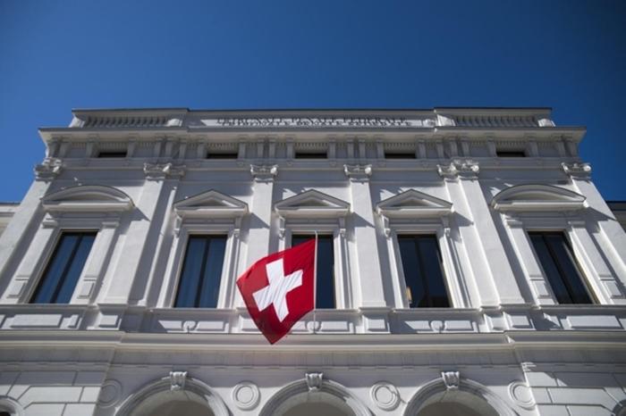 Швајцарија: Стапката на заразата со Ковид-19 поголема и од Италија