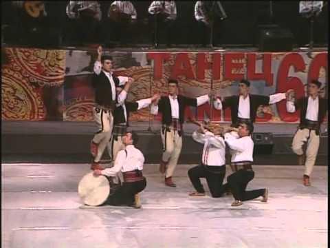 (видео) МАКЕДОНСКА ГОРДОСТ ВО ФРАНЦИЈА: Танец го освои Париз од каде се враќа со Гран при од светски натпревар