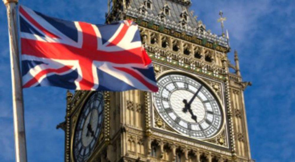 Велика Британија: Владата ќе субвенционира ручеци на граѓаните во ресторани