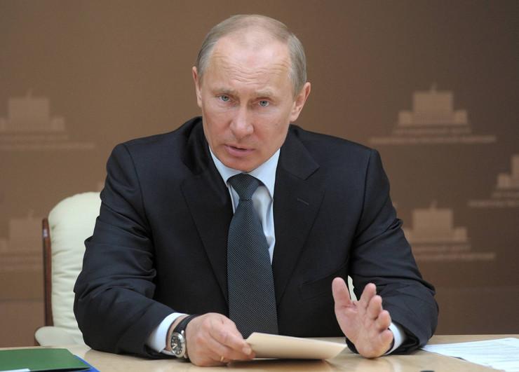 Путин за казната од ВАДА: Русија мора да настапува под националното знаме
