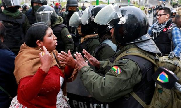 Боливија: Нови судири меѓу приврзаниците на Моралес и полицијата
