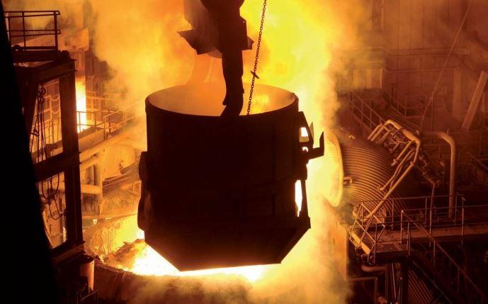НЕСРЕЌА ВО МАКСТИЛ: Повредени се 4 работници кога се излеал стопен челик надвор од казанот