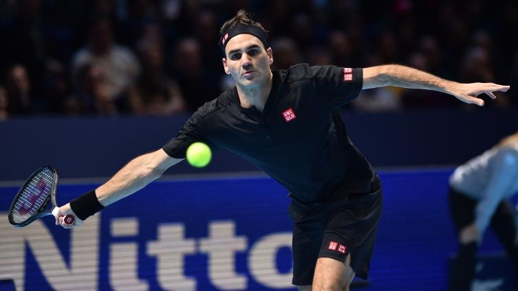 Турнир во Лондон: Федерер го победи Ѓоковиќ и го елиминира од завршницата