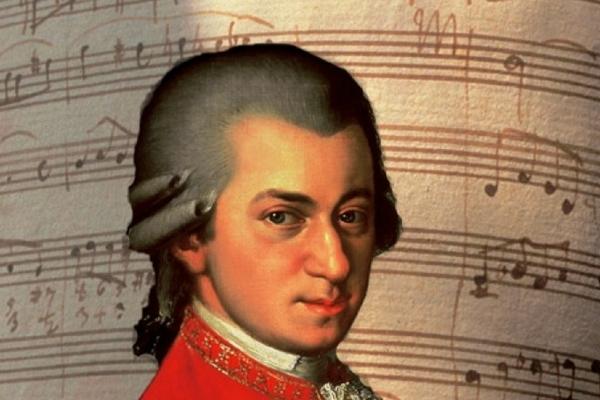 Аукција во Париз: Нотен запис на Моцарт продаден за 372.500 евра