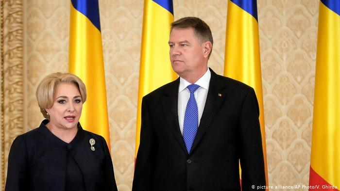 Претседателски избори во Романија: Денеска во втор круг Клаус Јоханис и Виорица Данчила