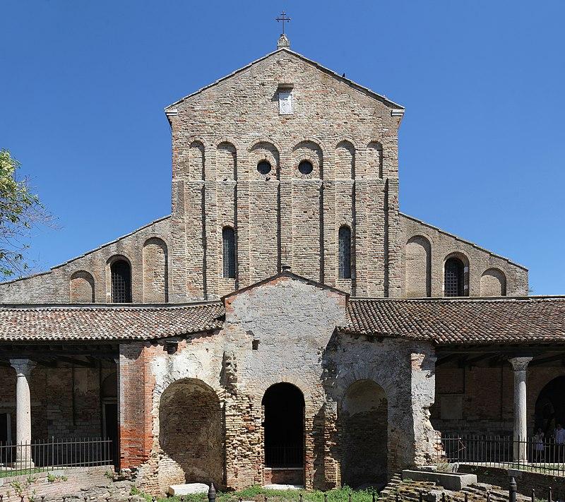 И Санта Марија Асунта оштетена во поплавите во Венеција
