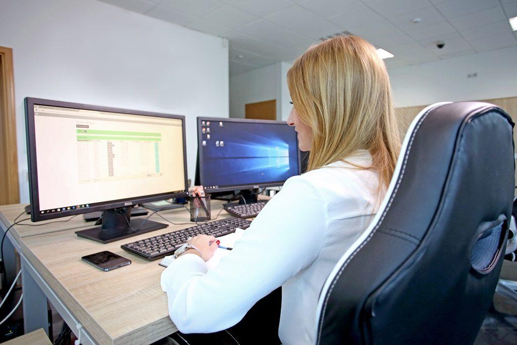 Информатичка технологија: Србија заработи една милијарда евра од извоз на софтвер и услуги
