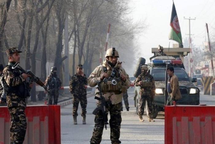 Авганистан: Убиени 23 војници вонапад на талибанците во воена база во Газни