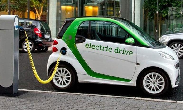Кина: До 2025 година 25 отсто од продадените автомобили ќе бидат електромобили