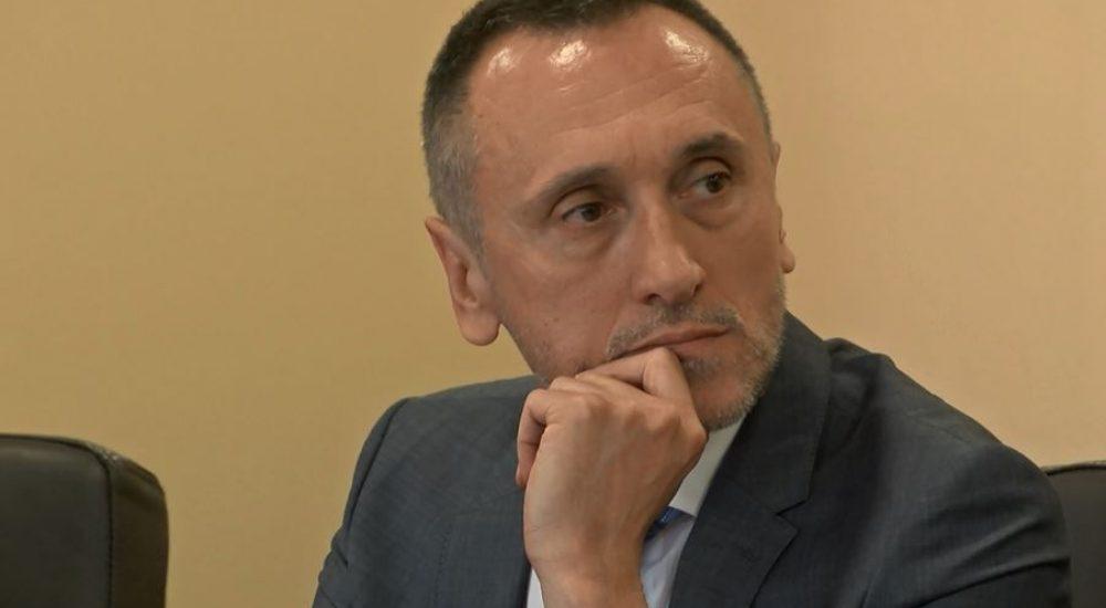 АГЕНЦИЈА ЗА РАЗУЗНАВАЊЕ: Директорот Муслиу е во изолација поради кратка средба со Зекири, лажна вест е дека бил на состанок во СДСМ