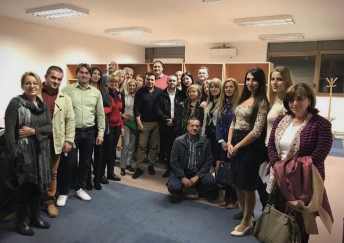 НОВ СКАНДАЛ, ОВОЈ ПАТ ОД ПЕНДАРОВСКИ: Стручен соработник од Основен 1 во Скопје и активист на СДСМ, ќе ја оценува работата на судиите
