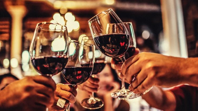 ДЕНЕСКА ВО ТИКВЕШКО: Тиквешки вински салон од Тиквешки семејни винарии