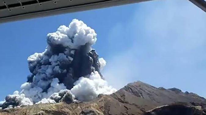 Нов Зеланд: Расте бројот на загинати во ерупцијата на вулканот на Белиот остров