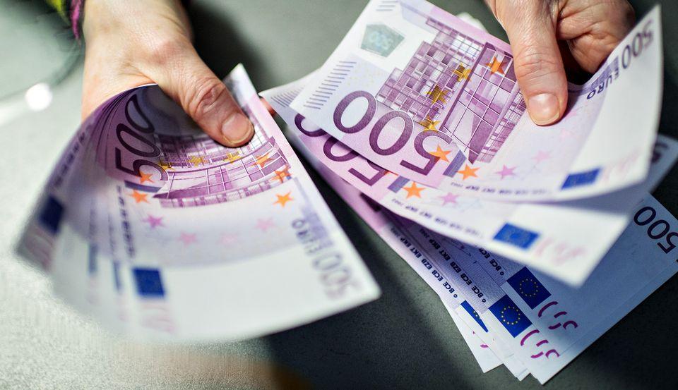 ЕУ: Истраги против 5.000 криминални групи што заработуваат 110 милијарди евра