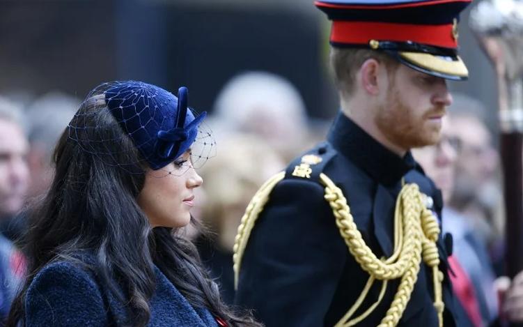 Обединето Кралство: Хари и Меган и официјално без кралски должности и титула