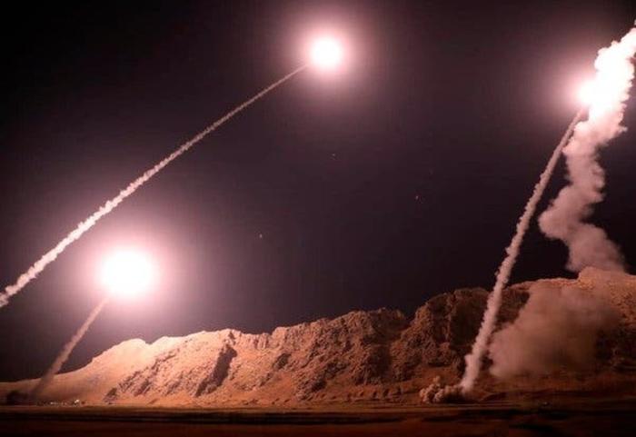 Ракетен напад врз базата Таџи во Ирак