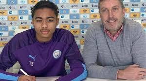 Манчестер Сити: Од Лестер доаѓа 17-годишен Нигериец