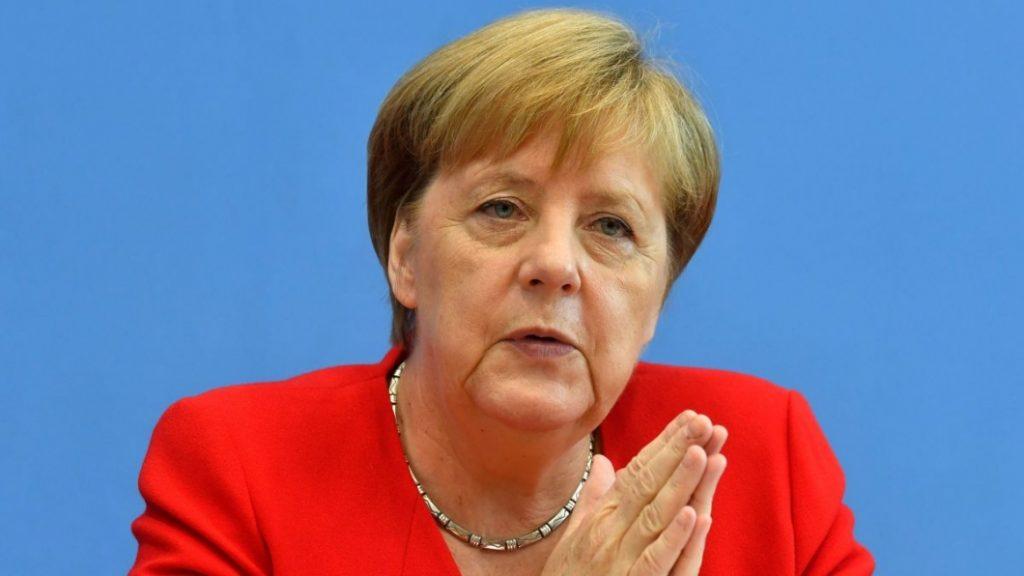 МЕРКЕЛ: Во март во Минхен ќе форсирам почеток на преговори на Брисел со Скопје и со Тирана