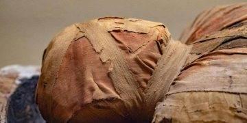 Кралски Холовеј колеџ во Лондон: Научници и дадоа глас на древна мумија
