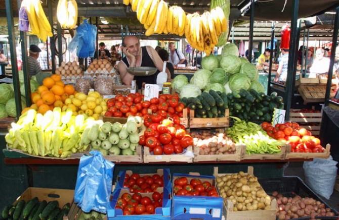 Ова е најтоксичното овошје и зеленчук и се прска со 15 – 17 видови пестициди: Еве како да се одбраните и да останете здрави