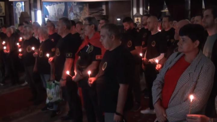 (видео) НАРОДОТ НЕ СИ ГО ЗАБОРАВА ИМЕТО: За Македонија, попе, загинаа за Македонија!