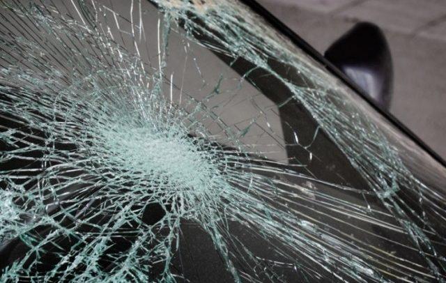 """Сообраќајка во Аеродром: """"Рено"""" удри во столб на булевар Јане Сандански"""