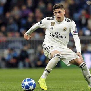 Реал Мадрид: Младиот Валверде за црвениот картон доби казна и еден натпревар да не игра
