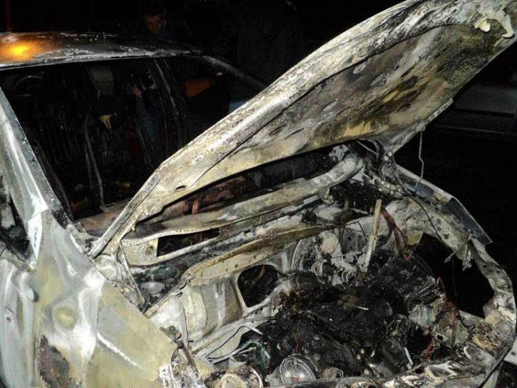 """МВР: Ноќеска е запален полициски """"шевролет спарк"""" во Куманово"""
