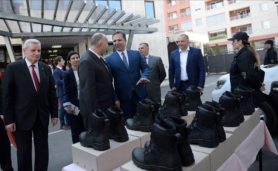 ЧУЛЕВ: Имаме индициии за злоупотреба од Спасовски при тендерот за 3.000 чизми за МВР