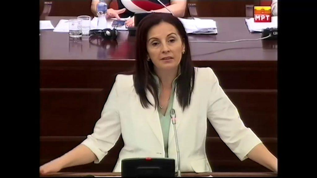 На Александрова, Милошоски и бил идол, сега го брка од ВМРО, тој и возврати со бизнисите на Мијалков и Вице!