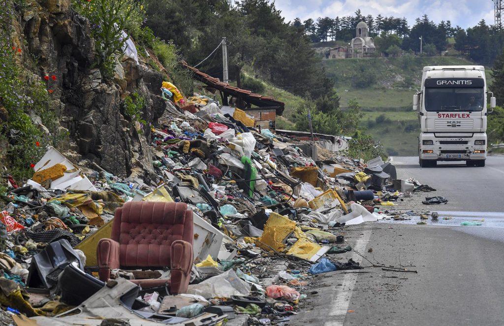 ЈПДП: Заштитна ограда на oбиколницата Битола за заштита од блокади и фрлање ѓубре