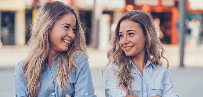 Семејни врски: Посреќни се луѓето кои имаат сестри