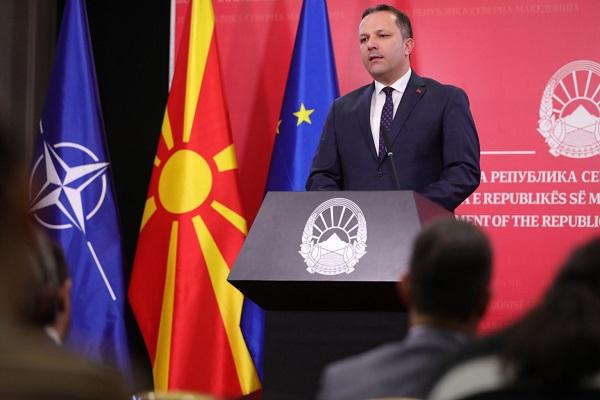 СПАСОВСКИ: Нема пасоши, но во Владата има политичка волја и се бара одржливо решение