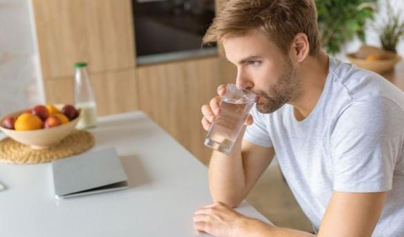 Експерти тврдат: Подобро да пиете вода од чешма отколку од шише