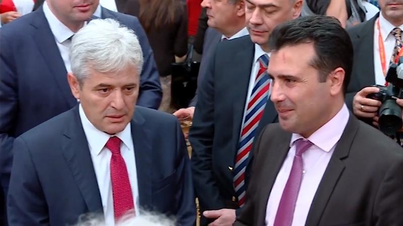 """Средба Заев-Ахмети во """"конструктивна атмосфера"""""""