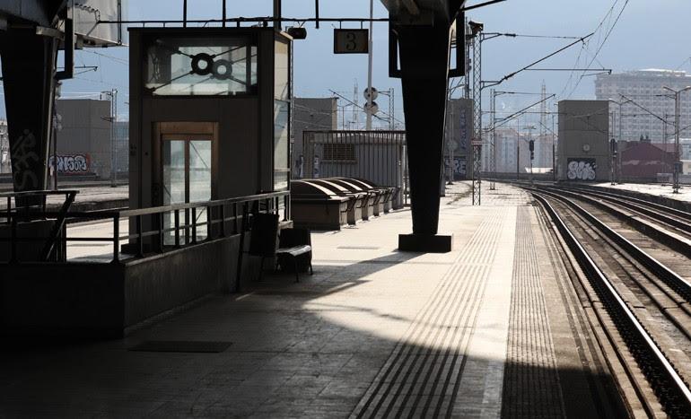 ТРЕТ ДЕН ШТРАЈК: Железничките станици во Македонија пусти, без патници и без возови