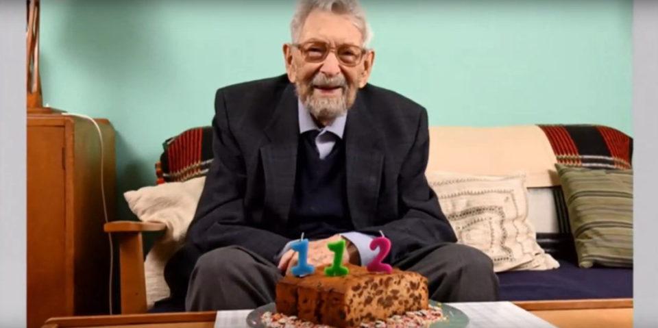 НАЈСТАРИОТ ЧОВЕК НА СВЕТОТ: Боб Вајтон ги преживеал шпанскиот грип, колера и сипаници и сега 112-ти роденден прослави во изолација