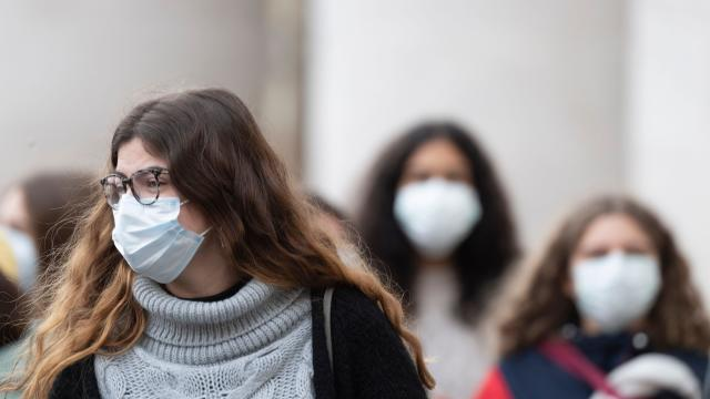МВР: Во последните 24 часа се казнети уште 386 лица поради неносење маски