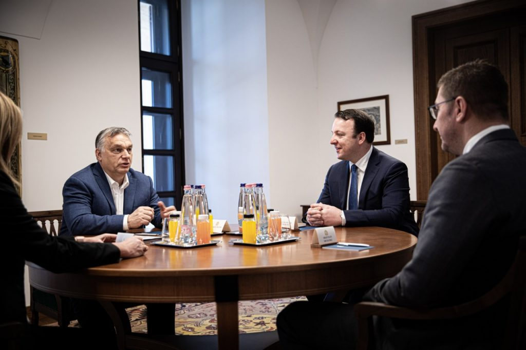 Мицкоски и Николоски на средби со Орбан и Јанша и во ЕПП, ќе лобираат за членството на Македонија во ЕУ