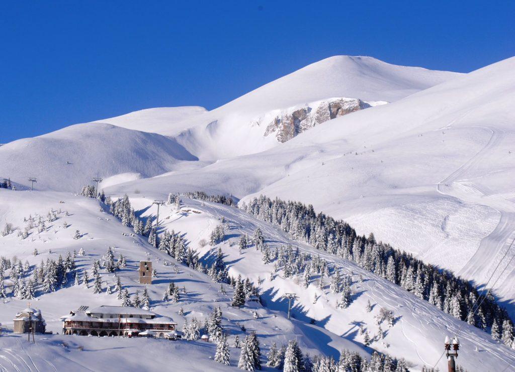 УХМР: Најмногу снег 32 см на Попова Шапка, а со минус 3 степени најстудено во Лазарополе