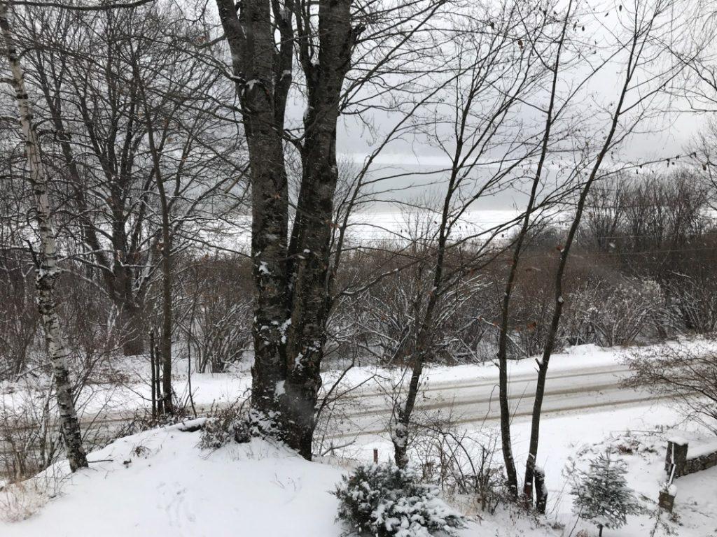ЗАДОЦНЕТА ЗИМА ВО МАКЕДОНИЈА: На Ѓуриште наврна 31 см снег, минус 7 степени во Маврово