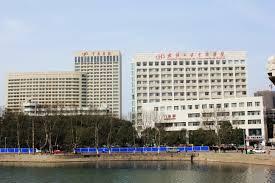БОРБА ПРОТИВ КОВИД 19: Болница во Њујорк дава по шест грама витамин Ц на заболени, Кинезите со успех давале по 10-20 грама!